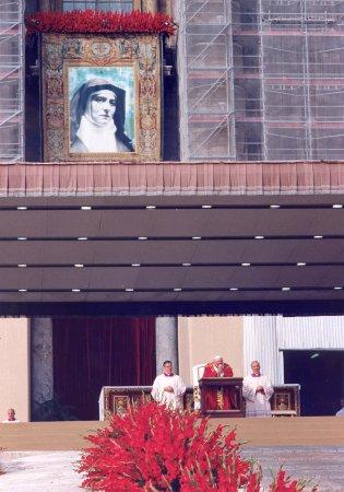 Giovanni Paolo II il giorno della canonizzazione di S. Teresa Benedetta della Croce - Edith Stein (1891-1942) ebrea convertita, Carmelitana Scalza, martire